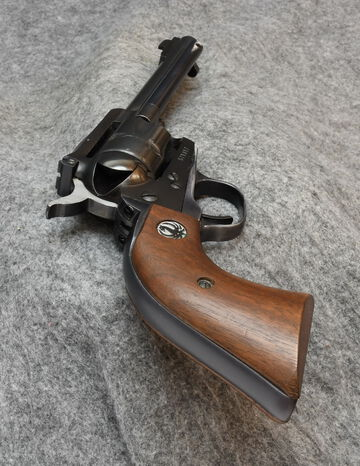 RUGER SINGLE SIX PRE OWNED