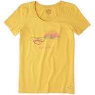 Life is Good Women's Flip Flop Crusher Scoop Short-Sleeve T-Shirt