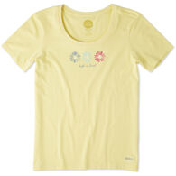 Life is Good Women's 3 Happy Daisies Crusher Scoop Short-Sleeve T-Shirt