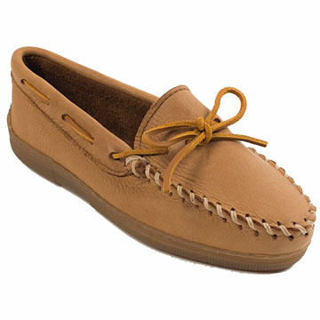 Minnetonka Womens Moosehide Tracker Moccasin