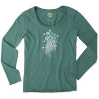Life is Good Women's Garden Pose Long-Sleeve Smooth T-Shirt