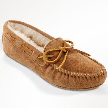 Minnetonka Womens Sheepskin Softsole Moccasin Slipper