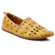 Spring Footwear Women's Fusaro Cutout Flat Casual Shoe
