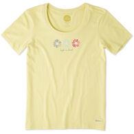 Life is Good Women's 3 Happy Daisies Crusher Scoop Short-Sleeve T-Shirt