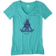 Life is Good Women's Yoga Pose Pocket Vibe Short-Sleeve T-Shirt